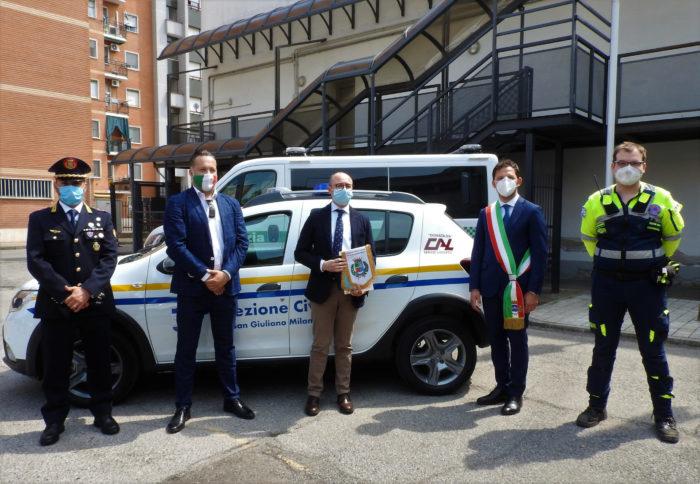 Donazione di un'auto alla Protezione Civile